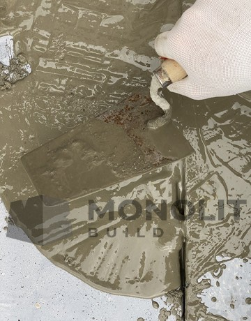 Self-leveling repair compound Rapid Teknogrout